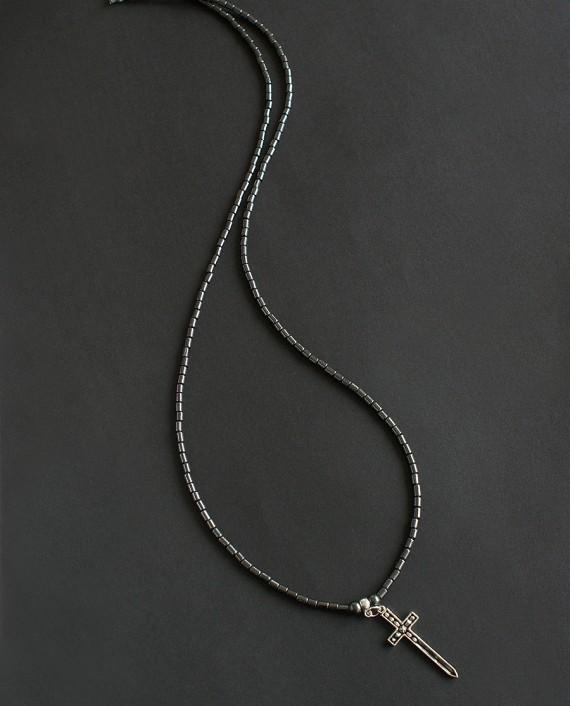 Vyriškas kaklo papuošalas su kryželiu